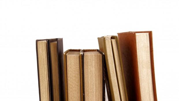 Confira os livros que não podem faltar na sua estante