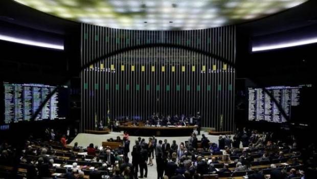 Deputados derrubam votação da nova Lei das Licitações